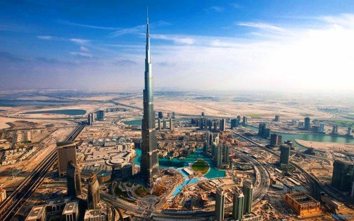 The surroundings of Burj Khalifa.