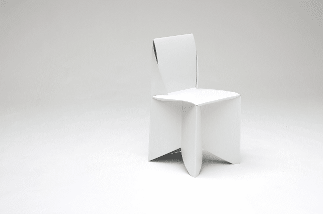 The modern Chair is designed to be polyline.