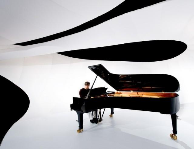 The Grand piano is the major music instrument.
