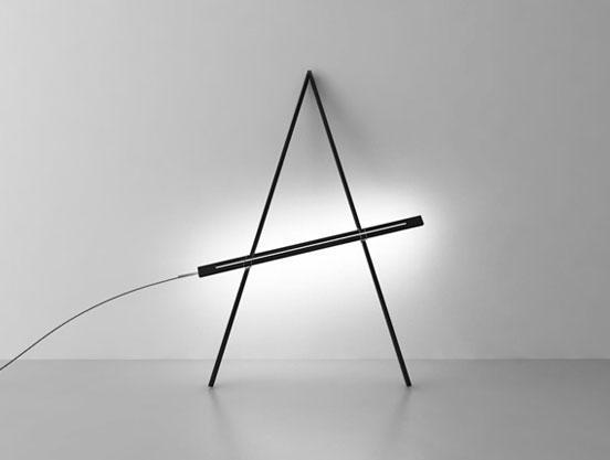 The Compas lamp has a very flexible design.
