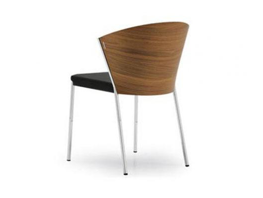 The wood, used for making this chair, makes it look absolutely contemporary.