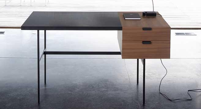 Desk design by Ligne Roset