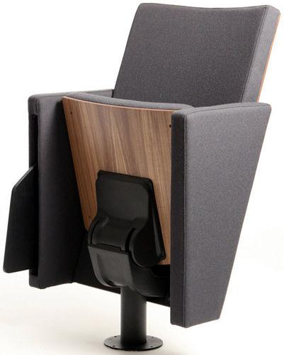 This flexible chair is perfect for relaxing.