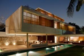 Architecture by Marcio Cogan