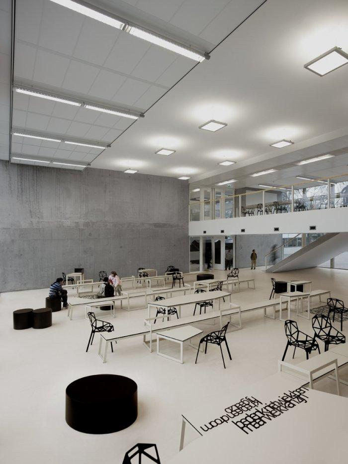 The school classroom is in really modern shape.