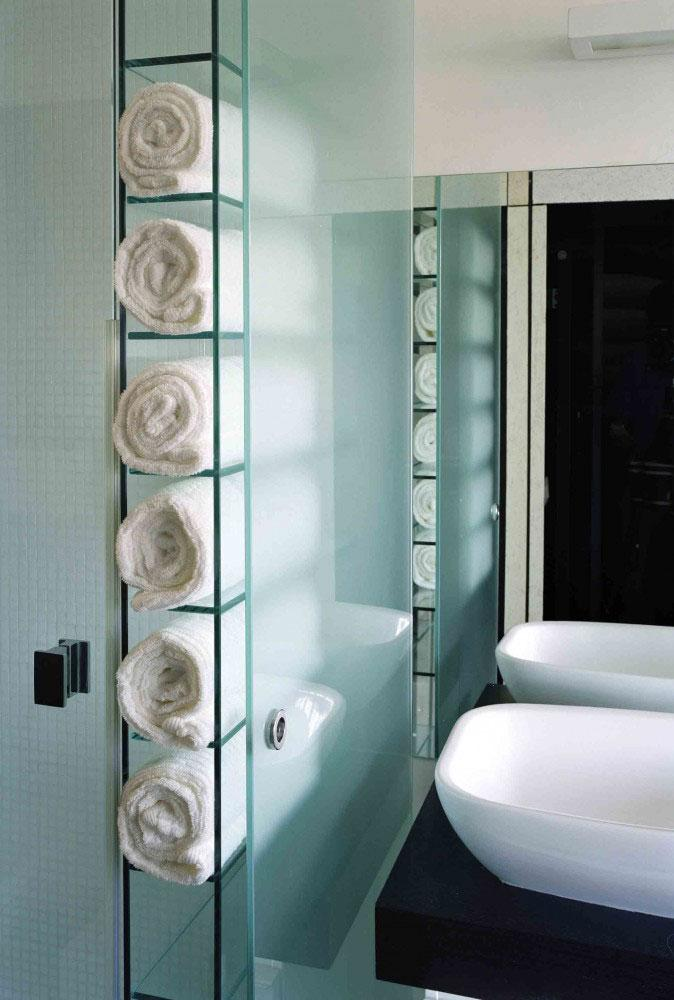 Bath Towels situated in the amazing apartment interior design in Rome.