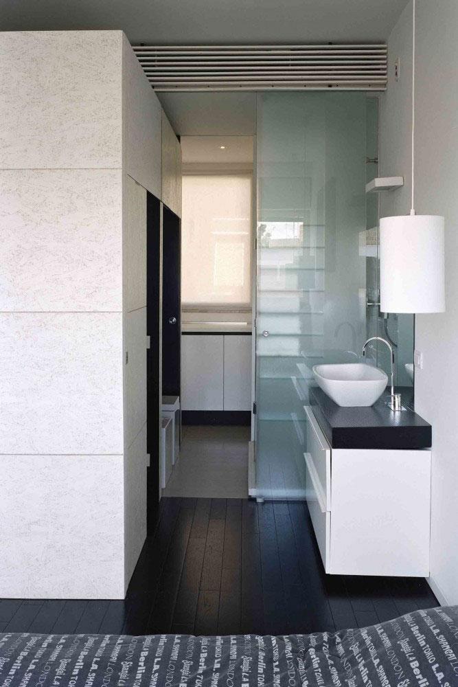 Small studio apartment interior design in rome italy for Roma interior design