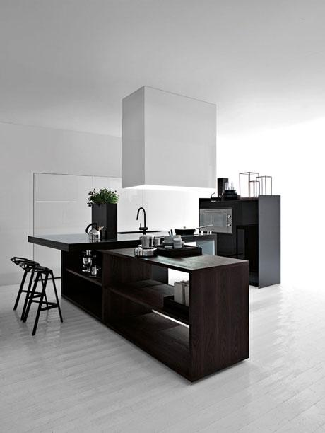 The arrangement ideas for this kitchen are made by Palomba.