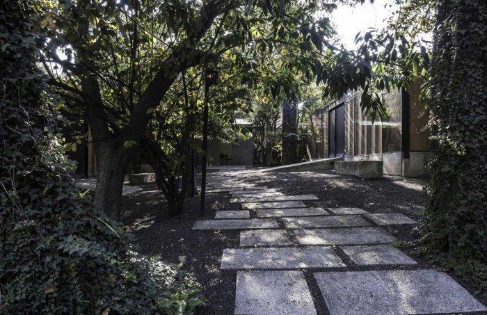 Garden Concrete Tiles - Modern Bodywork Center Architecural Design in Mexico