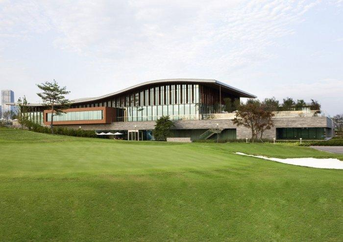 Golf Club Korea 6 - For Connoisseurs Only: Luxury Golf Club Design