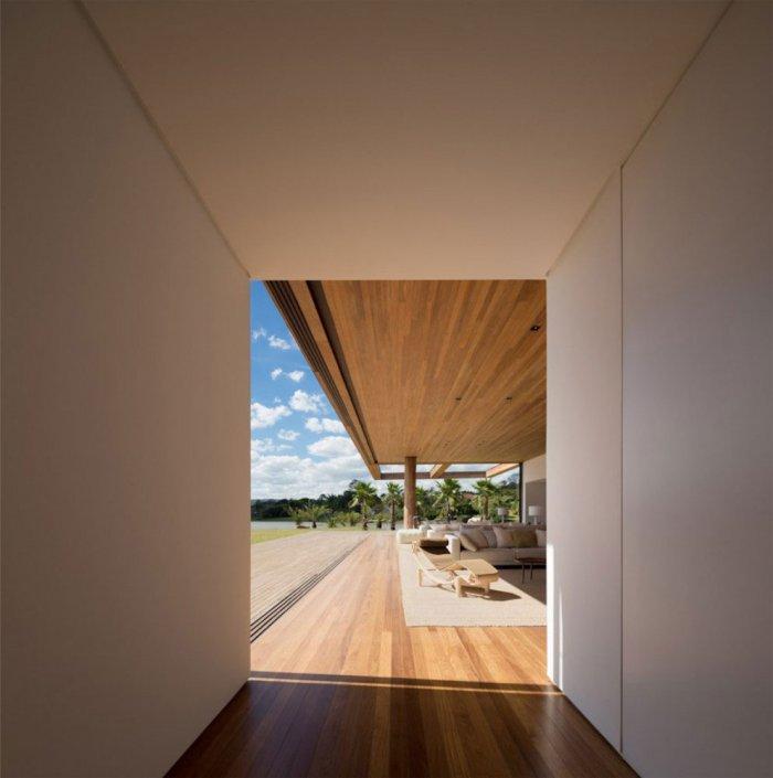 Hallway – Beautiful Contemporary Summer House Design in Brazil