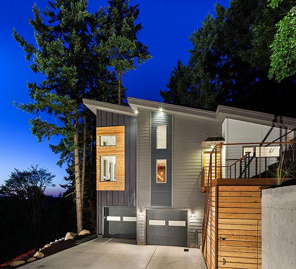 Home Exterior - Breathtaking Eclectic Modern House in Oregon, USA
