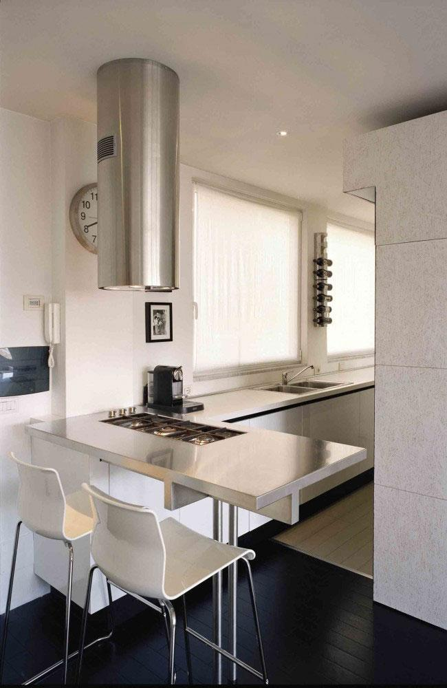 Small studio apartment interior design in rome italy for Studio design roma