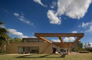 Lovely Home – Beautiful Contemporary Summer House Design in Brazil