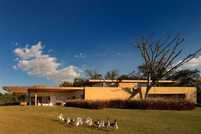 Lovely Home 1 – Beautiful Contemporary Summer House Design in Brazil