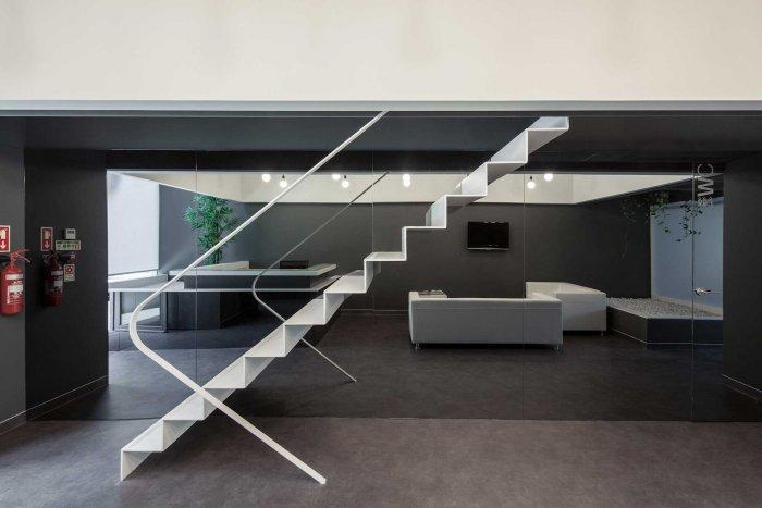 Main Staircase - Stylish and Modern Dental Studio Design in Portugal