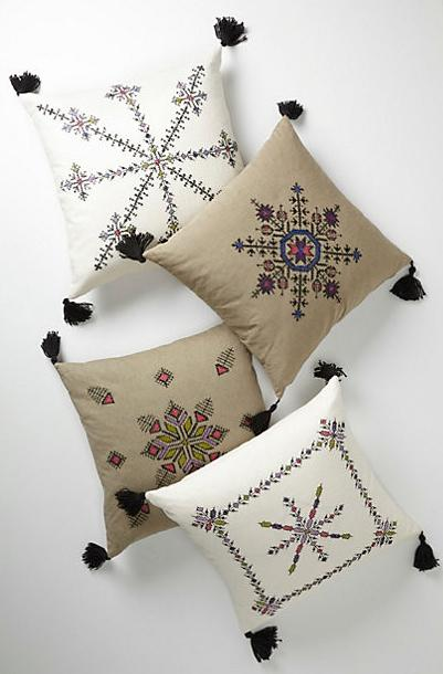 Cushions - 7 Fantastic Home Accessories in Moroccan Style