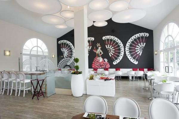 Mil Milagros Restaurant - Creative Flamenco Dancer Decoration in Malaga Restaurant
