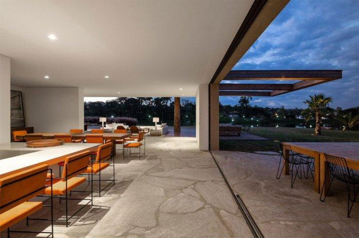 Open Dinning Room – Beautiful Contemporary Summer House Design in Brazil