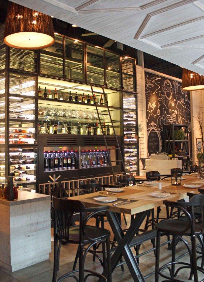 Deli Restaurant And Wine Shop Interior Design Project