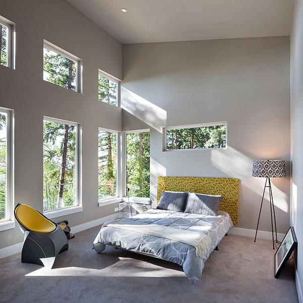 Sunny Bedroom - Breathtaking Eclectic Modern House in Oregon, USA