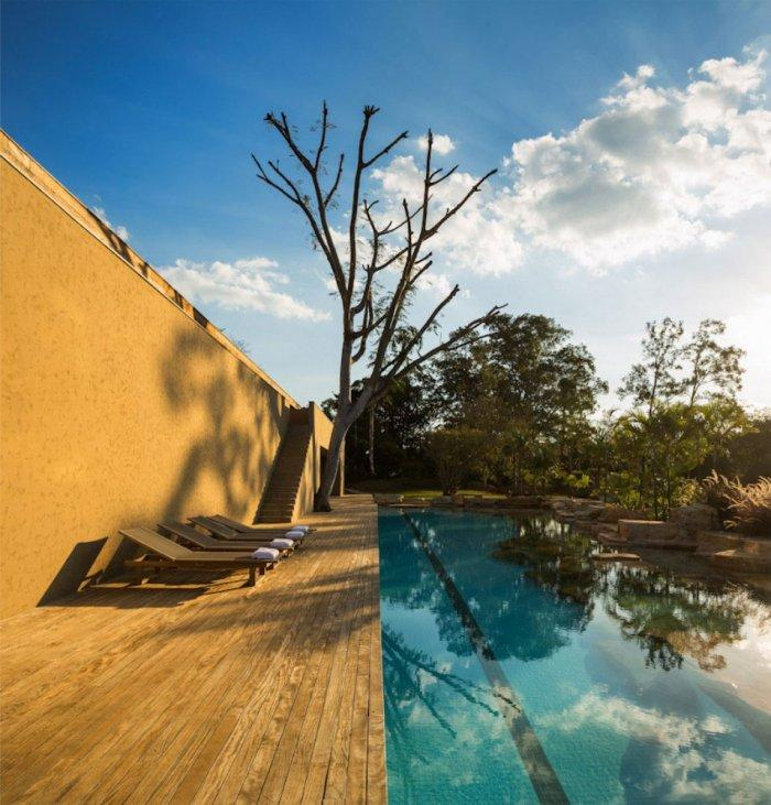 Swimming Pool – Beautiful Contemporary Summer House Design in Brazil