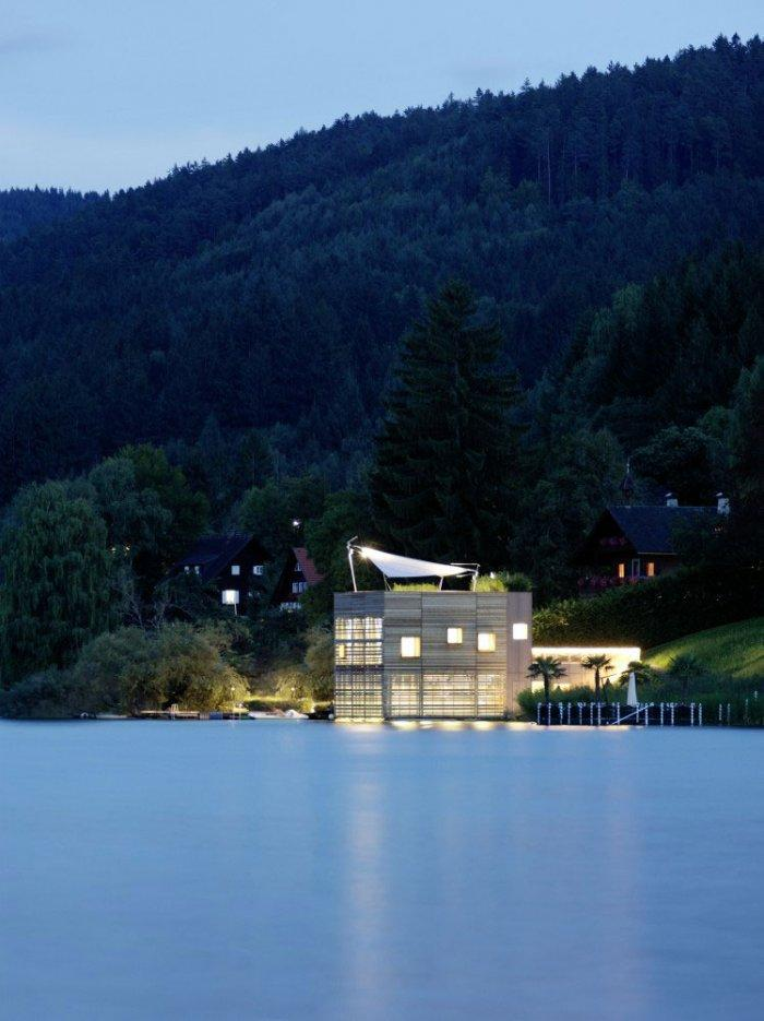 The boathouse 12 – modern luxury boathouse design by the lake.