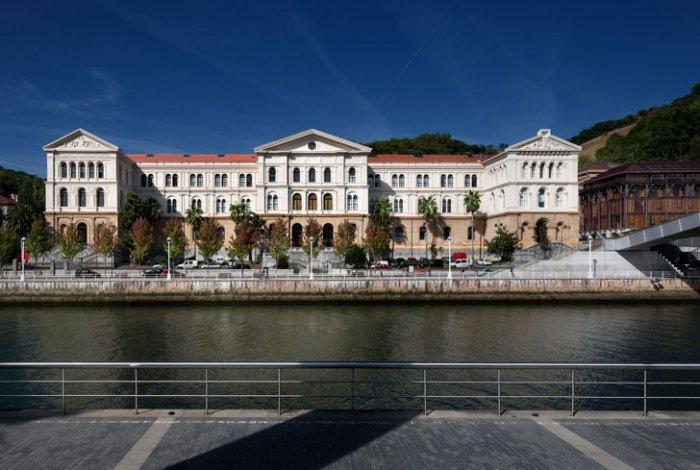 University of Duesto with Renewed Interior Design