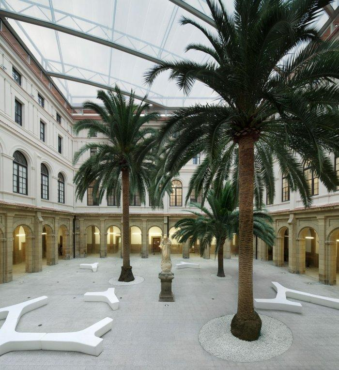 Yard - University of Duesto with Renewed Interior Design