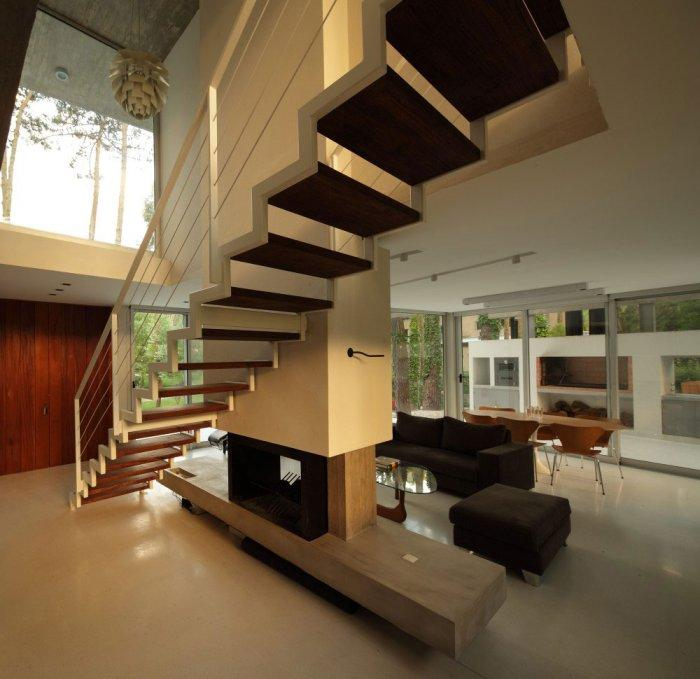 Wooden Staircase – Gorgeous Contemporary Home in USA surrounded by Forest
