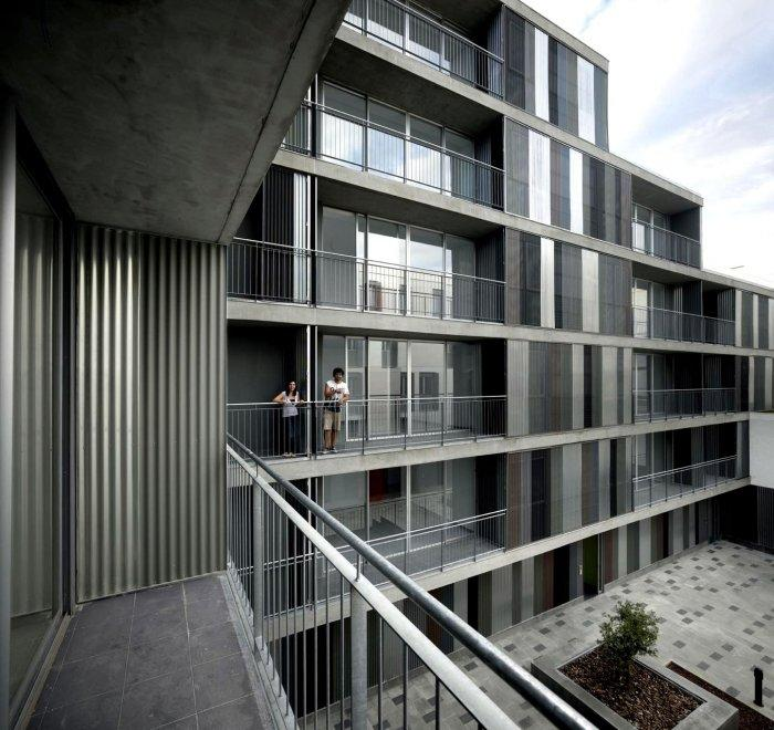 The Terraces Apartments: Contemporary Residential Building Architectural Approach