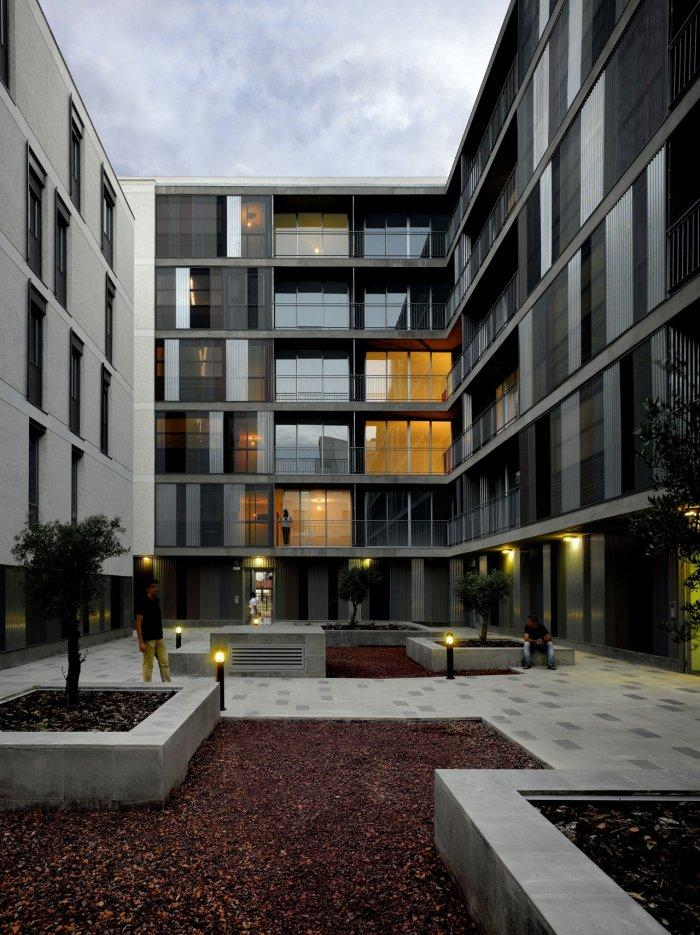 Contemporary Residential Building Architectural Approach