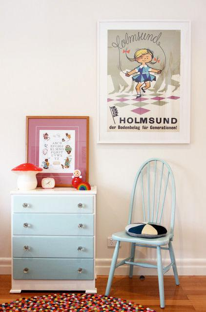Blue Cupboard - Low Budget Spring Decorating Ideas for a Sunny Life
