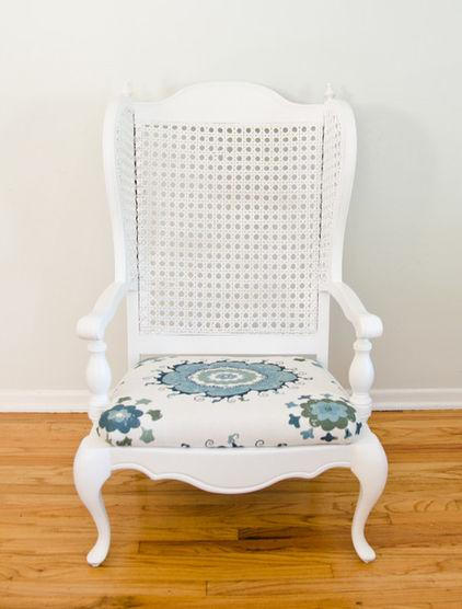 How A Colorful Chair Can Decorate Your Living Room