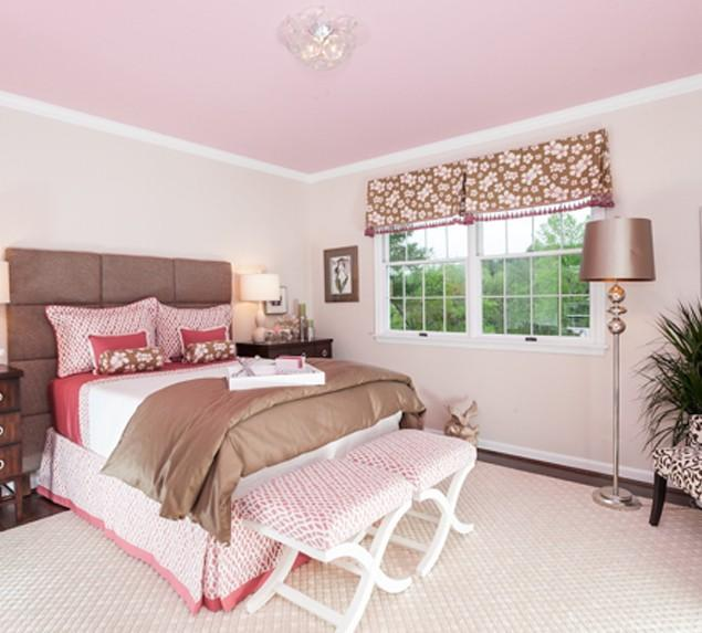 Brown and Pink Bedroom - Latest Interior Design Trends