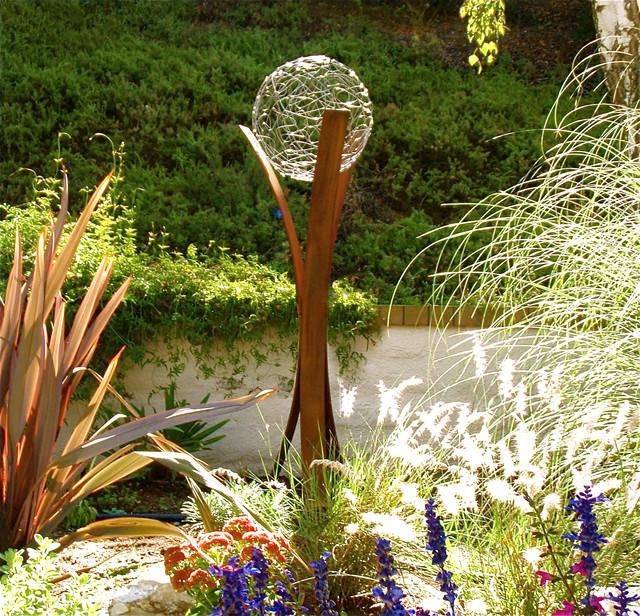 7 Ideas How To Use Contemporary Garden Sculptures for Decoration