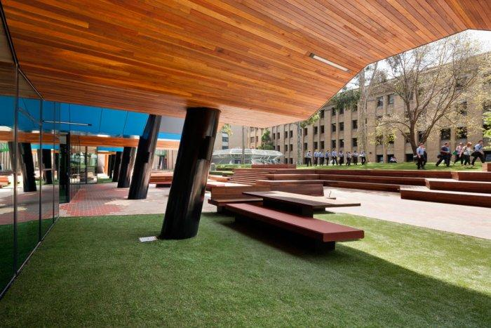 Contemporary University Yard - Modern Educational Building Design - The La Trobe LIMS