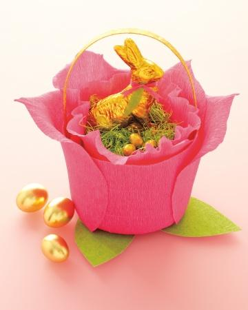 Crepe Paper Rose Basket - Easter Decorating Ideas in Pictures & How-To Examples