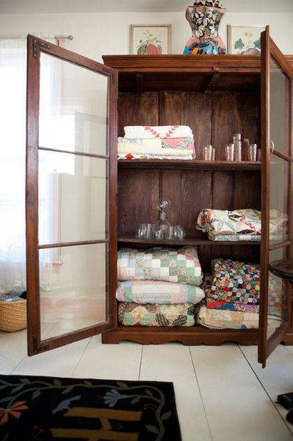 Cupboard Decoration 1 - Creative Accessories That Can be Used for Home Decor