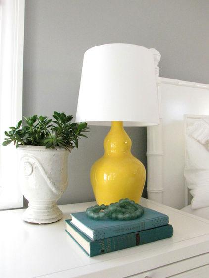 Decorative Vase and Lamp - Low Budget Spring Decorating Ideas for a Sunny Life
