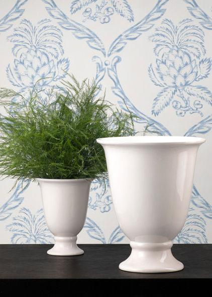 Decorative White Vases - Low Budget Spring Decorating Ideas for a Sunny Life