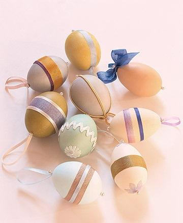Egg Ornaments - Easter Decorating Ideas in Pictures & How-To Examples