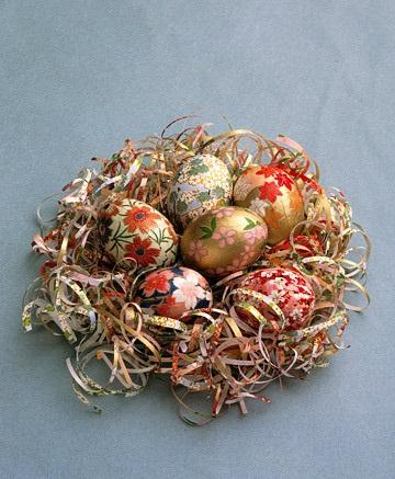 Elegant Eggs - Easter Decorating Ideas in Pictures & How-To Examples