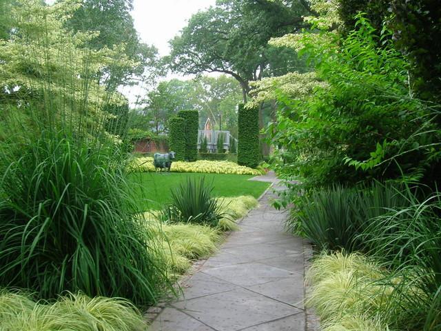 Concrete Path - Garden Decor Ideas - Unique and Fresh Examples
