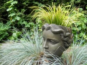 Statue - Garden Decor Ideas - Unique and Fresh Examples