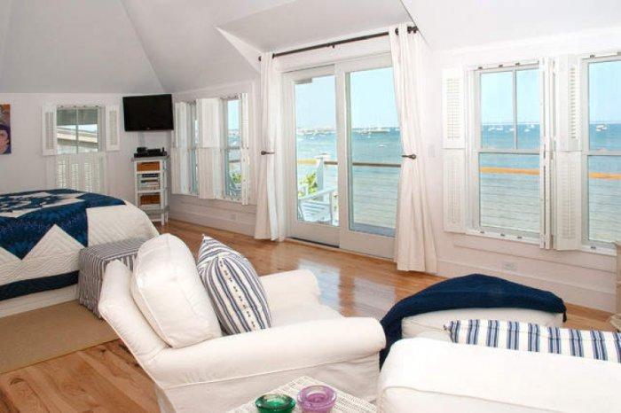 Gorgeous Coastal House on the French Riviera