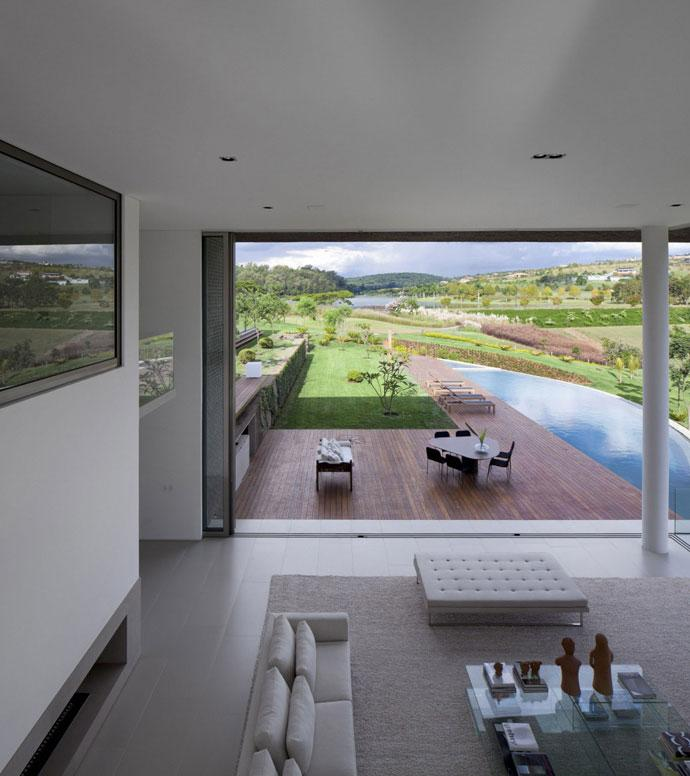 Large and Spacious Living Room- Luxury Countryside Contemporary House near Sao Paulo