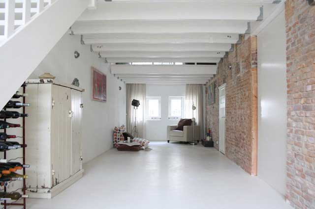 Long and Narrow Room - Loft Apartment Interior Design - Contemporary Lifestyle