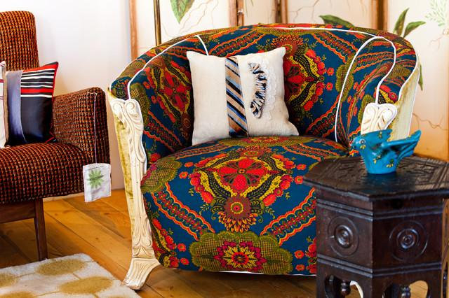 Oriental Style Armchair - How a Colorful Chair can Decorate your Living Room