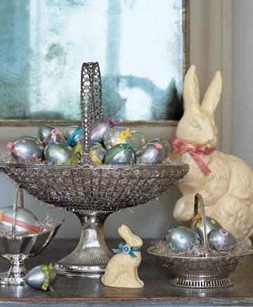 Metallic Polka-Dotted Eggs - Easter Decorating Ideas in Pictures & How-To Examples